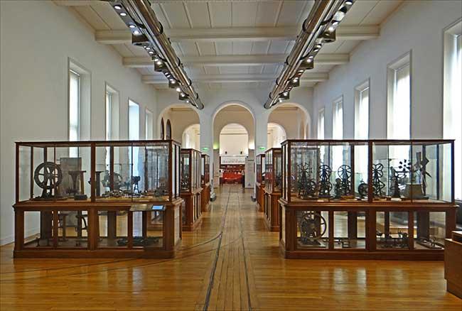 Institutions patrimoniales et spectacle vivant/ Accueil dans les lieux culturels